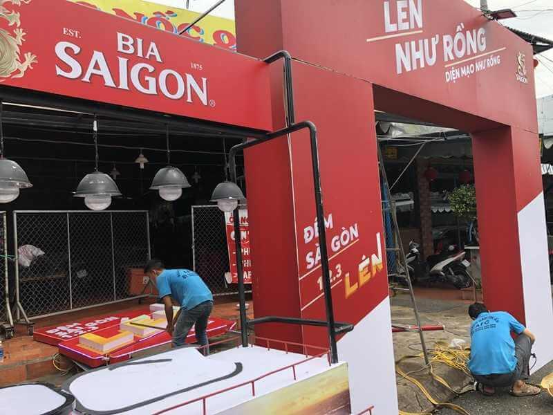 hình ảnh thi công, lắp đặt quảng cáo Tổ chức sự kiện Bia Sài Gòn tại Phú Quốc