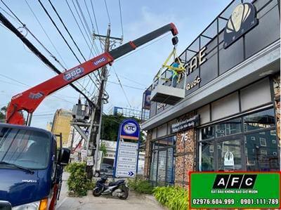 Hình ảnh thi công bảng hiệu quảng cáo tại Phú Quốc