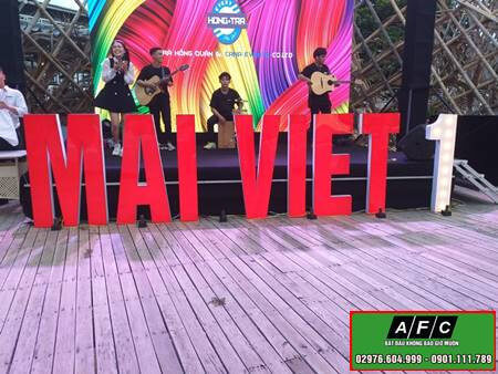 Thi Cong Chu Mica Den Led Phu Quoc
