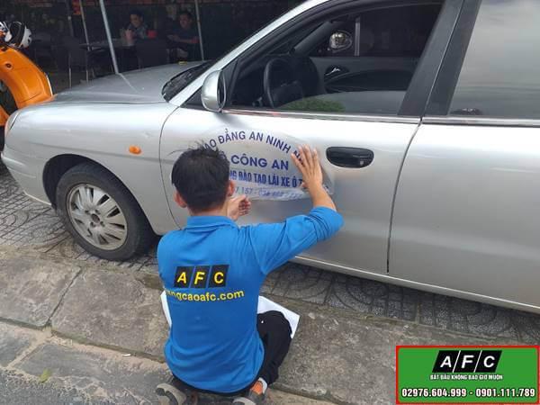 Dán decal xe ô tô - Trang trí xe ô tô tại Phú Quốc
