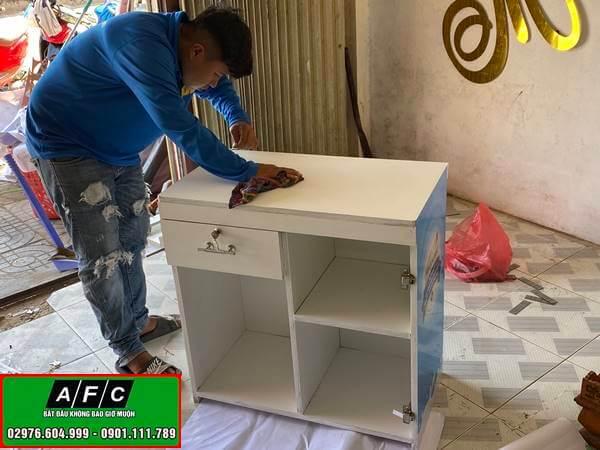 Thiết kế, thi công tủ kệ trưng bày sản phẩm đẹp tại Phú Quốc