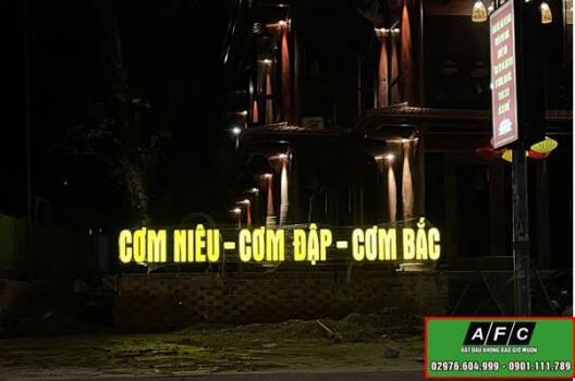 Dự án thi công Bảng hiệu Chữ nổi Cơm Niêu Phú Quốc