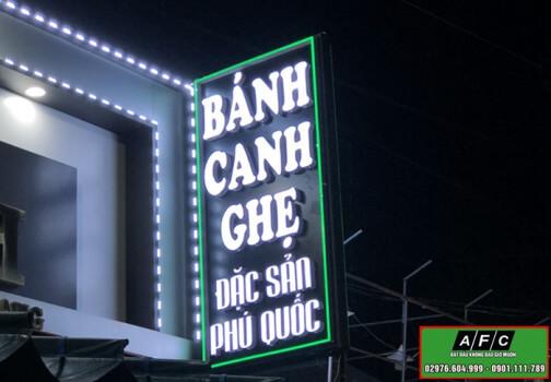 Thi Cong Bang Hieu Hop Den Tai Phu Quoc